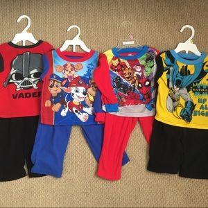 😴Bundle of 4 Boys Pajama Sets - Size 2T💙